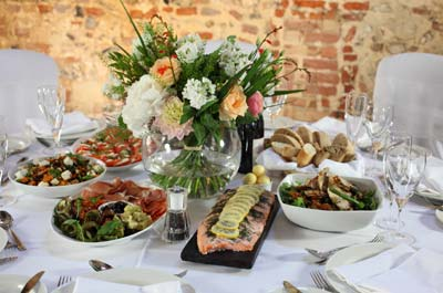 weddings-parties-catering-menu-table